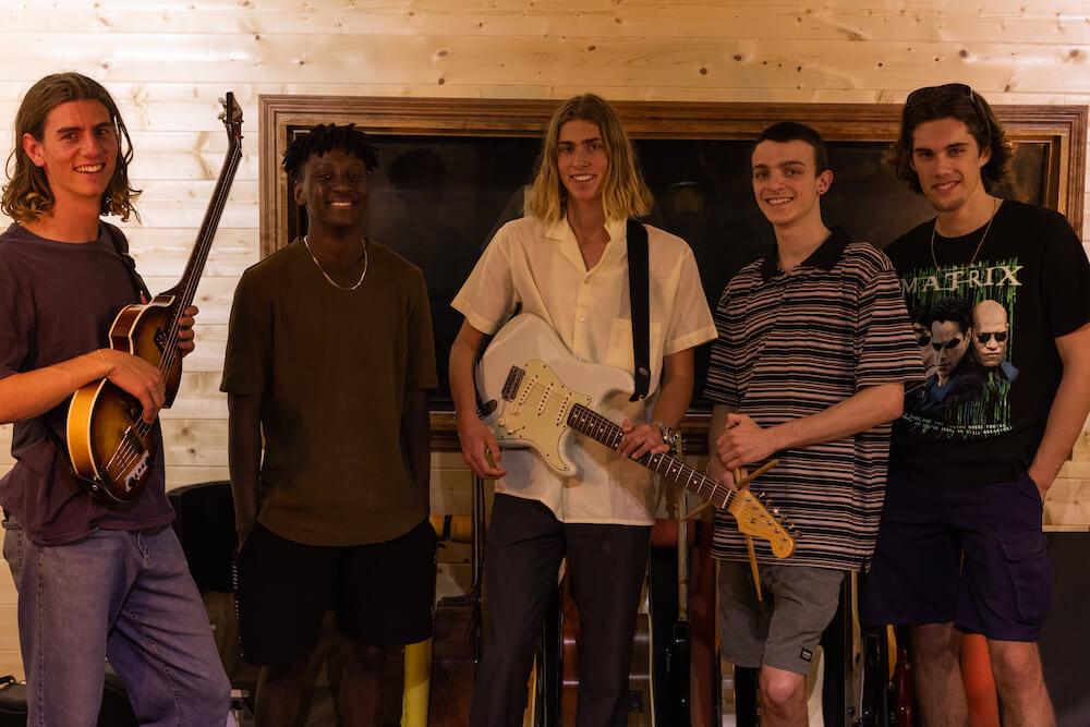 Julian Munyard Band Six String Studio